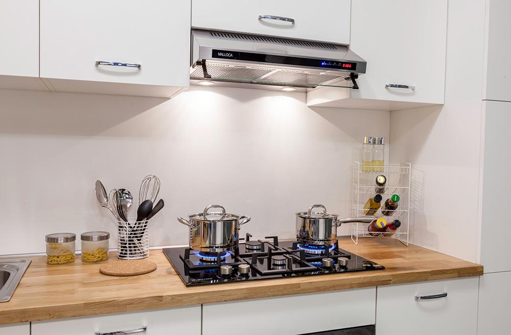 Hình ảnh máy hút mùi trong nhà bếp